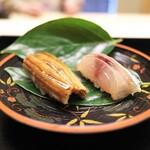 132705773 - あじと穴子のお寿司。