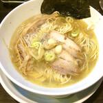 麺屋一龍 - 料理写真:塩らーめん ¥750