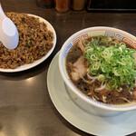 新福菜館 - 料理写真:やきめし+中華そば(小)¥1050