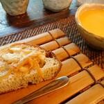 手造り食の店しもだ - 自家製パンとじゃがいもスープ