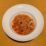 132718443 - 南イタリア風魚介のトマトソーススパゲッティーニ ¥950