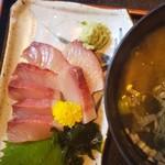 海人市場 - イサキのお刺身