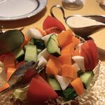 ヒマラヤ - グリーンサラダとドレッシング