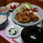 玉幸 - 今や鳥料理の定番!当店でも人気メニュー鳥南蛮御膳です。