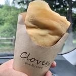クローバー - 料理写真:アーモンドチョコ生クリーム