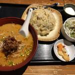 えん弥 - 鶏肉炒飯&担々麺