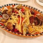 アズーリ - あさりとフレッシュトマトのスパゲティ