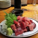 魚虎 - 料理写真:マグロぶつ 780円