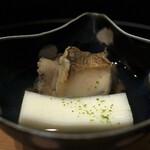 京懐石 八泉 - 滝川豆腐と鮑