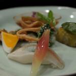 京懐石 八泉 - 海月、賀茂茄子木の芽味噌、剣先の黄身焼き、鱧木の芽焼き、鱚寿司、茗荷、せりエゴマの実