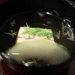 京懐石 八泉 - なめこ豆腐、じゅんさい、冬瓜