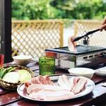 琉球焼肉なかま - テラスでの焼肉は最高です
