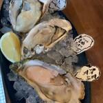 Oyster Bar MABUI - 生牡蠣3種盛り
