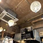 Oyster Bar MABUI - 内観