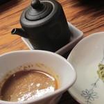灯こ - 丼(胡麻ダレ、わさび醤油で頂きます)