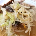 銀龍 - 味噌チャーシュー麺の野菜!