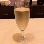 オステリア デッラ カパンナ - グラススパークリングワイン