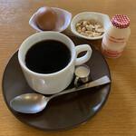 シャロウ - ドリンク写真:ブレンドコーヒーモーニング付き350円税込み