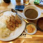 三是食堂 かつどころ - 日替わりカレー(豚カルビカツ)