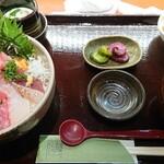 傳 - 海鮮丼 1,100円