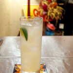 メキシカン・バー ソル・マリアッチ - メスカル「デルンベス」のパローマ。後味に燻製のようなスモーク香、自分の鼻が煙突になったみたいで愉快~