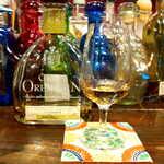 メキシカン・バー ソル・マリアッチ - テキーラ「グランオレンダイン」アネホ。こちらは長期熟成らしく、甘くてリッチな香り