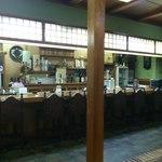 川崎屋 - カウンター席
