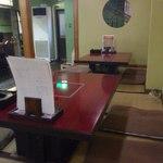 川崎屋 - テーブル席