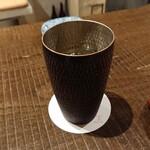 炭焼 芹生 - 芋焼酎のソーダ割り、屋久島の三岳、ギンギンに冷えて美味しかった。
