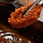 串焼黒松屋 - とんかつ調理