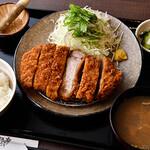 串焼黒松屋 - プラチナポークのロースとんかつランチ