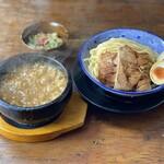 麺屋じぇにー - 名物    石焼つけ麺 900円
