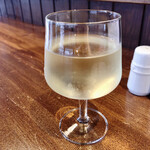 ビストロラフルール - タパスセット ワイン白