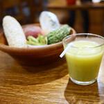 山本のハンバーグ - 野菜果物ジュース 200円プラス