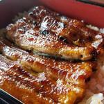 割烹料理 角藤 - 料理写真:浜名湖産のうなぎは生きたまま仕入れています。秘伝のタレで焼き上げたうな重です。前日までにご予約下さいませ。 ¥3000円