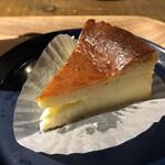 古民家カフェ蓮月 - 料理写真:バスクチーズケーキ