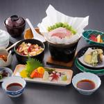 鷲羽山レストハウス - 下津井名物たこ飯と季節の食材が一度に楽しめるたこ飯膳は当店人気No.1