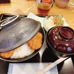 132879249 - 二段盛りカツ丼セット ¥1080