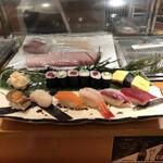 羽田 寿司幸 - 料理写真:ランチの全体