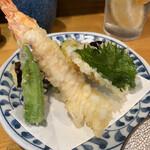 手打蕎麦 ちりん - 天ぷらせいろの天ぷら。揚げたて。