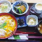 春翠亭 - 川俣シャモの親子丼セット
