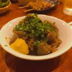 成田家 - 土手煮込み、大阪のと違って肉が多い、脂身少ない、美味い