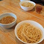 麺家 彩華 - 醤油つけ麺(中盛り)。
