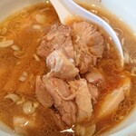 麺家 彩華 - チャーシューと云うか肉塊。味が染みてて旨い。