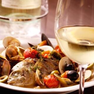 常時60種類以上のワインをご用意