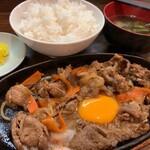 路地裏 - カルビ鉄板焼定食