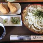 小梅 - 料理写真:ざるうどん=470円 いなり=220円