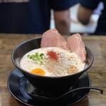フカクサ製麺食堂 - おさかな鶏白湯らーめん 870円