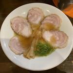 麺王道 勝 - チャーシュー麺 880円