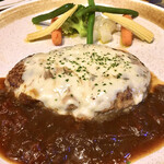 キッチン放蕩 - メインのハンバーグステーキ。 付け合わせの野菜のオリーブオイルも美味。